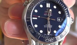 007のジェームスボンドが好きでomegaのseamaster腕時計を買ってしまいました。