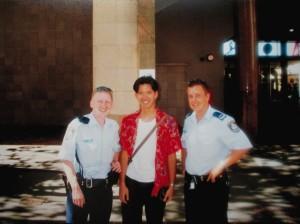 日本の警官と違ってノリが良くて楽しいポリスマン