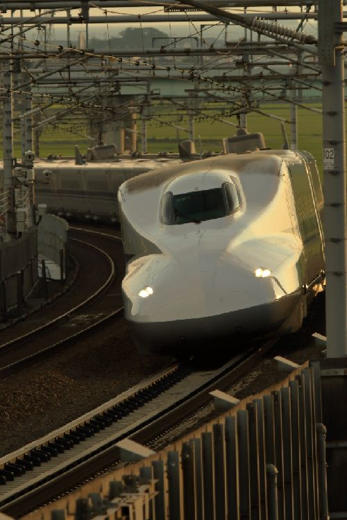 日本の新幹線の技術ってそんなに凄いのか。世界が驚いたニッポン!スゴ~イデスネ!!視察団のドイツのチームの方が凄そうだけどね