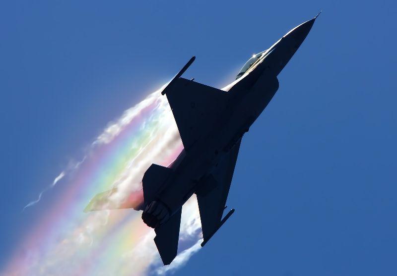 ミサイル発射秒読み!安倍首相も北朝鮮が既にサリン弾頭化の能力を持っていると指摘
