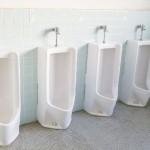 お客にトイレを汚されて困ってる店の人は必見のポスターがあった!