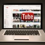 youtubeの再生画面が大きくなってる。戻し方はあるのか?