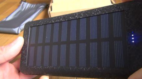 RuiPuのソーラーチャージャー対応の大容量モバイルバッテリー24000mahを買ってみた!