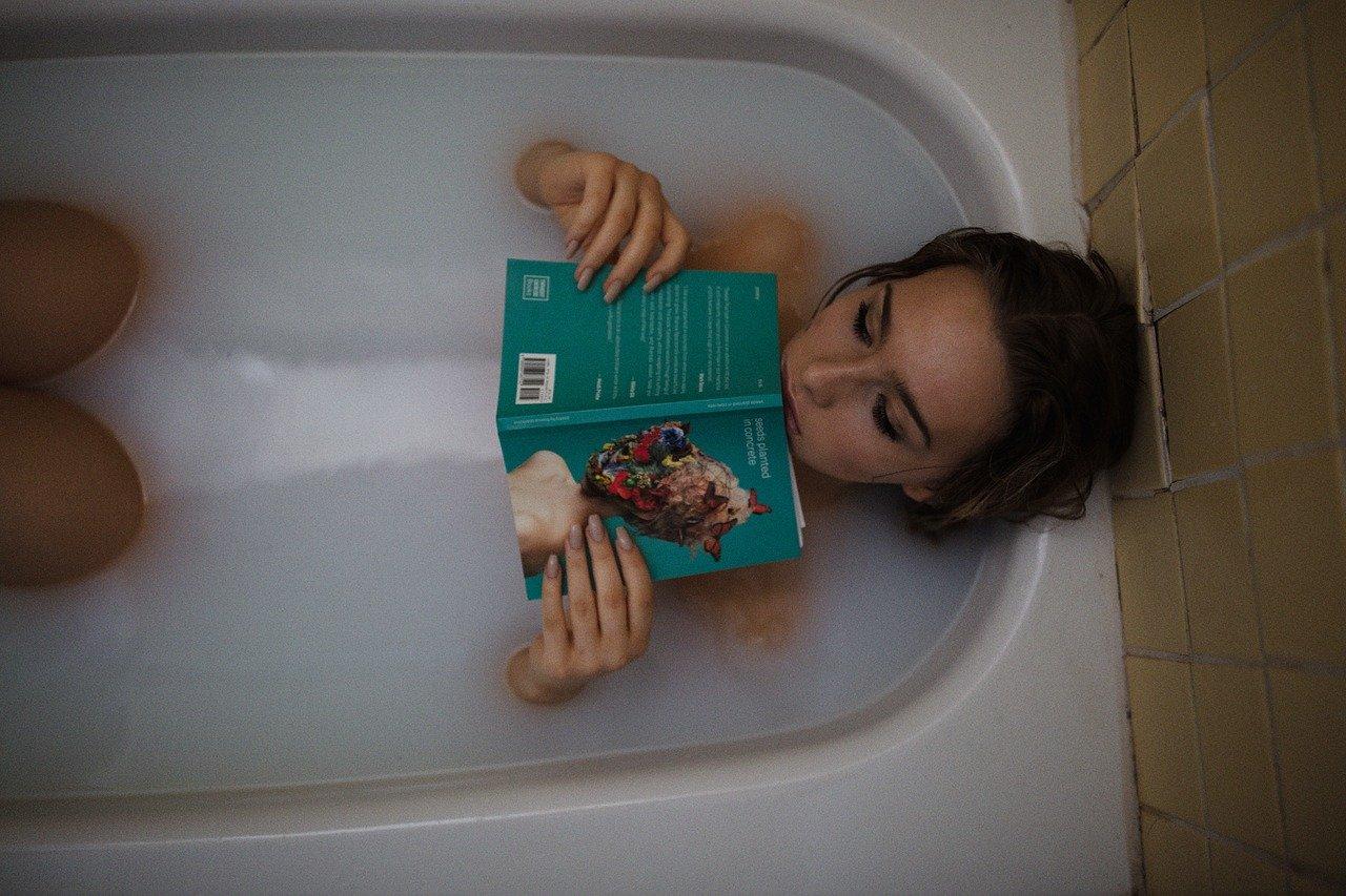 横山エリカちゃんって混浴温泉好きだったのか!秋田県の乳頭温泉と青森県の不老不死温泉か・・・